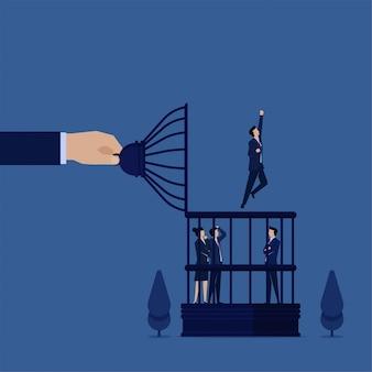 Hombre de concepto de vector plano de negocios volar fuera de la jaula de pájaros metáfora de la libertad.