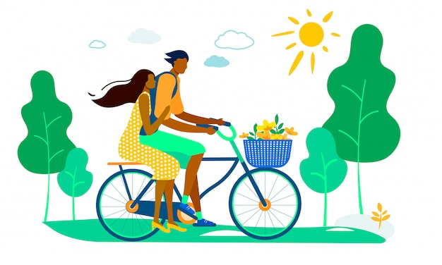 Hombre conduciendo a mujer en bicicleta con cesta de flores