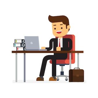 Hombre de negocios sentado en la mesa