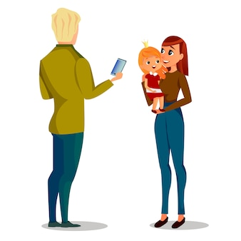 Hombre de dibujos animados tomar foto mujer con niña