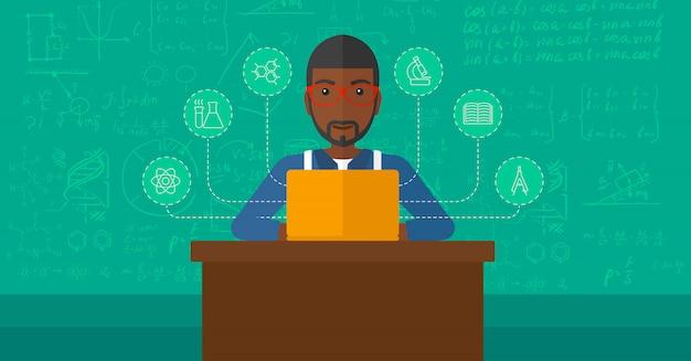 Hombre estudiando con laptop