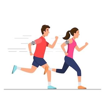 Hombre feliz y mujer corriendo en el camino