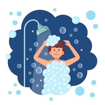 Hombre feliz tomando ducha en el baño con espuma.