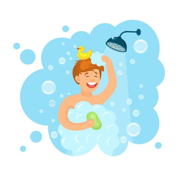 Hombre feliz tomando ducha con patito de goma en el baño.