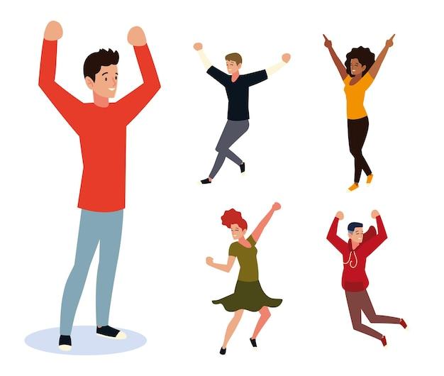 Hombre joven con las manos arriba celebrando, gente feliz celebración