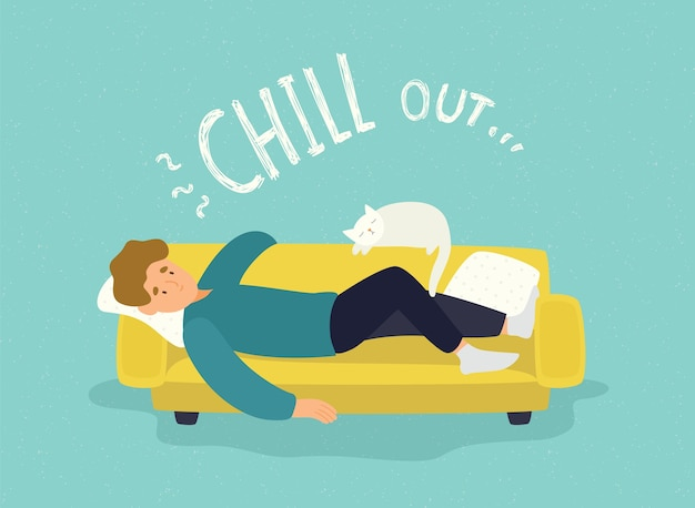 Hombre lindo tumbado relajado en el sofá amarillo con gato blanco e inscripción chill out