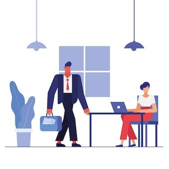 Hombre y mujer con ordenador portátil en el escritorio en el diseño de la oficina, la fuerza laboral de los objetos de negocio y el tema corporativo