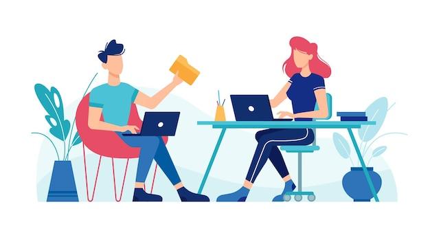 Hombre y mujer trabajando con ordenadores portátiles en el lugar de trabajo de oficina