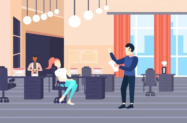 Hombre de negocios que presenta el proyecto de inicio a colegas hombre de negocios que muestra el informe que da la presentación del resultado del trabajo que se encuentra la conferencia moderna oficina de trabajo conjunto interior horizontal completo