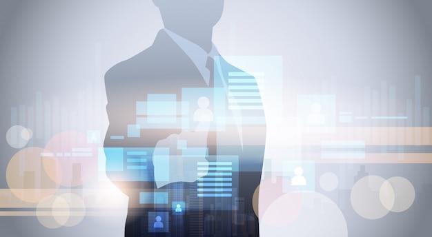 Hombre de negocios de la silueta que usa el vector plano de la pantalla táctil de digitaces