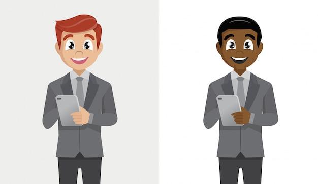 Hombre de negocios sosteniendo o usando una tableta.
