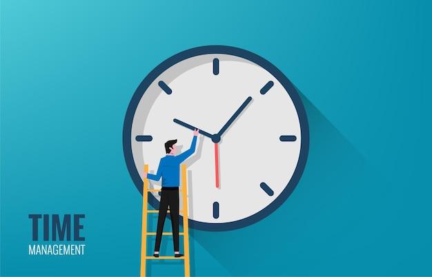 Hombre de negocios tratando de configurar una gran ilustración de reloj.