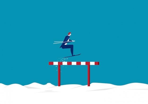 El hombre de negocios usa el cielo saltando sobre obstáculos