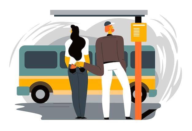 Hombre robando la billetera del bolsillo de los pantalones vaqueros del personaje femenino de pie en la parada de autobús. víctima de robo o hurto en gran ciudad. ladrón actuando precisa y silenciosa, situación insegura. vector en estilo plano