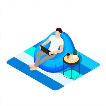 Un hombre se sienta en una silla de bolsa con portátil. ilustración de estilo isométrico.