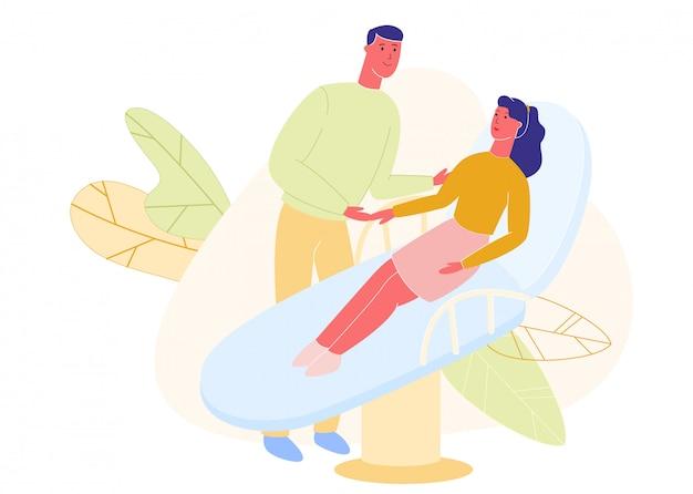 El hombre sostiene la mano de la mujer en la cama de un hospital, atención médica,