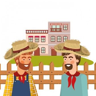 Hombres de agricultores hablando con sombrero de paja