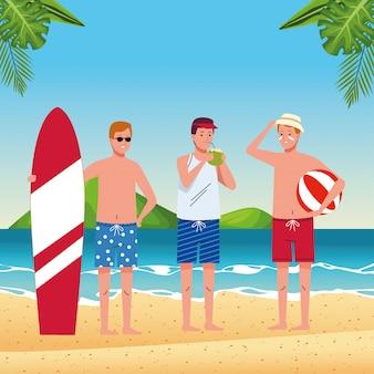Hombres jóvenes en trajes de baño en los personajes de la playa