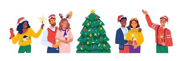 Hombres y mujeres celebrando navidad y año nuevo personajes sosteniendo luces de bengala bailando amigos o