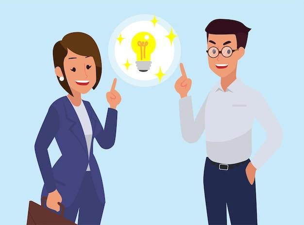Los hombres y mujeres de negocios ayudan a pensar en ideas de trabajo.