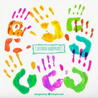Huellas de manos de niños pintadas a mano