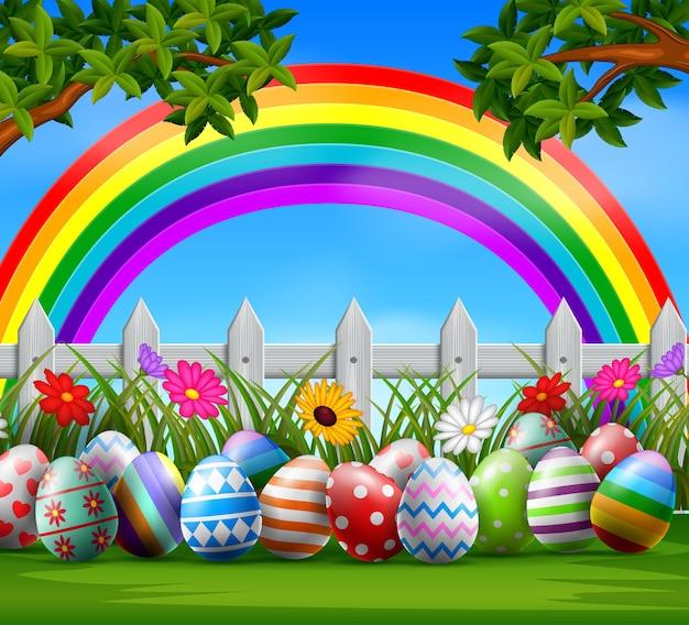 Huevos de pascua y colorido en el jardín