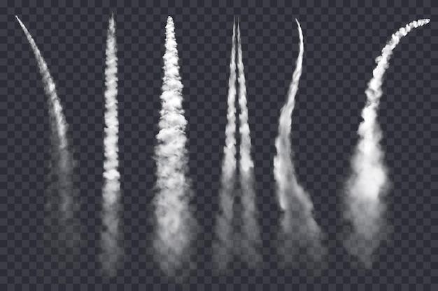 Humo de cohetes o senderos de aviones a reacción sobre fondo transparente