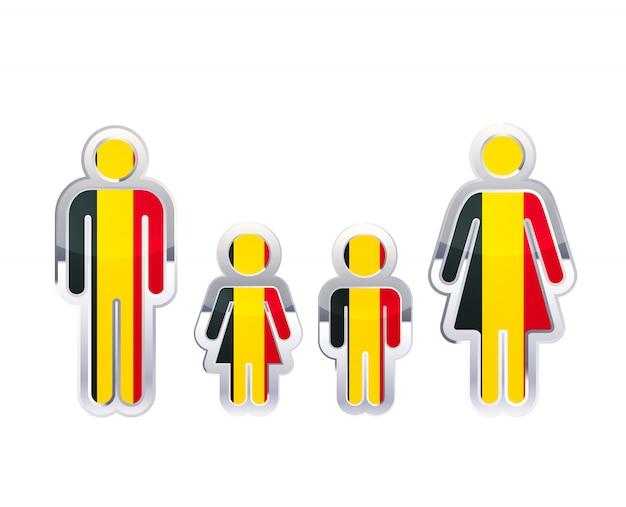Icono de insignia de metal brillante en formas de hombre, mujer y niños con bandera de bélgica, elemento de infografía en blanco