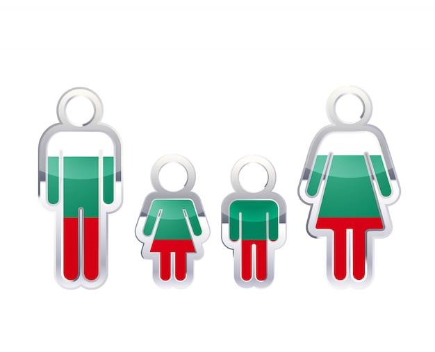 Icono de insignia de metal brillante en formas de hombre, mujer y niños con bandera de bulgaria, elemento de infografía en blanco
