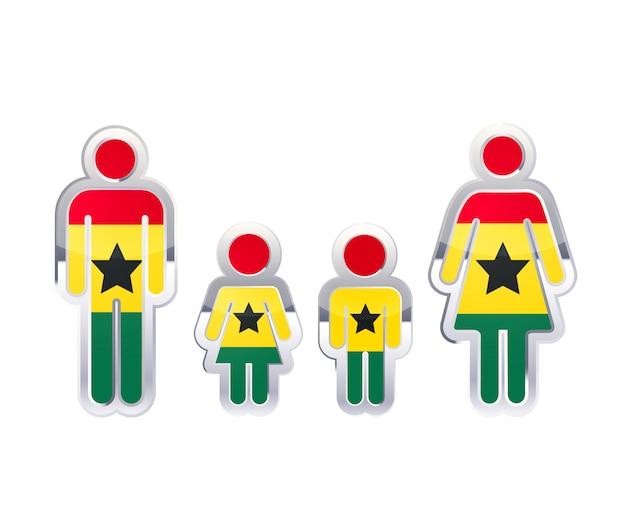 Icono de insignia de metal brillante en formas de hombre, mujer y niños con bandera de ghana, elemento de infografía aislado en blanco
