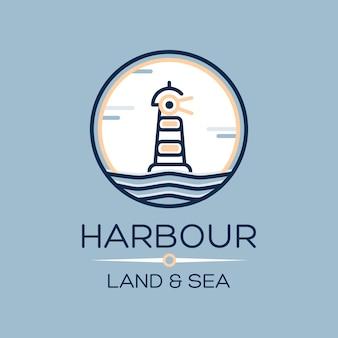 Icono isométrico plano del faro en el mar azul