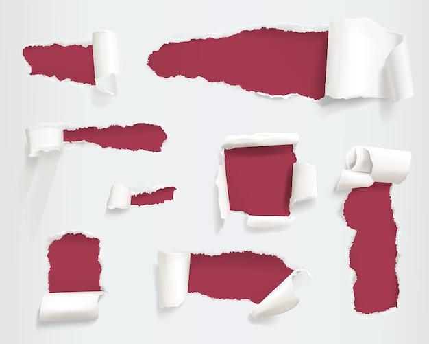 Ilustración de agujeros rasgados de papel de lados de la página en blanco desigual o rasgados realistas o pancartas