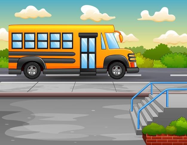 Ilustración del autobús escolar amarillo en la carretera