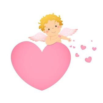 Ilustración caricatura de pequeño cupido detrás en forma de corazón rosa.