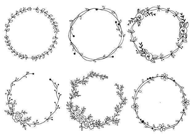 Ilustración de coronas dibujadas a mano elementos de diseño para invitaciones