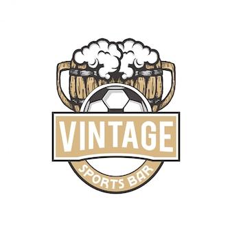 Ilustración de grabado vintage con cervezas y balón de fútbol para bar deportivo