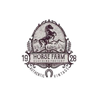 Ilustración de granja de caballos de grabado vintage