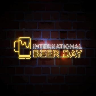 Ilustración de signo de estilo de neón del día internacional de la cerveza