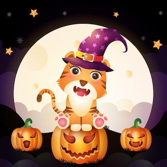 Ilustración de un tigre de bruja de halloween de dibujos animados lindo parado en calabaza frente a la luna