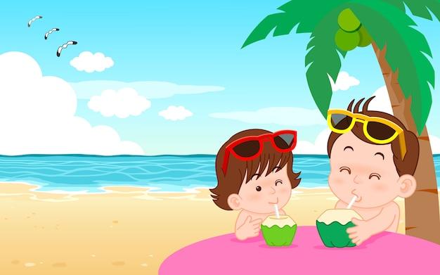 Ilustración de vector de personaje de dibujos animados lindo niño y niña bebiendo agua de coco en la playa