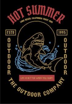 Ilustración vectorial de tiburón con estilo de tatuaje vintage