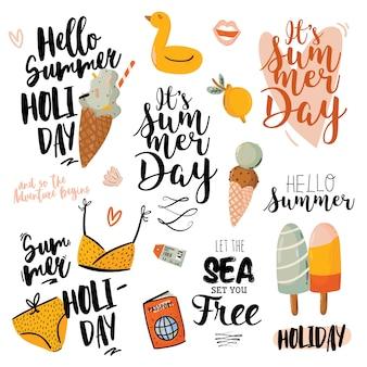 Impresión de verano con lindos elementos de vacaciones y letras aisladas sobre fondo blanco. estilo de moda dibujado a mano.