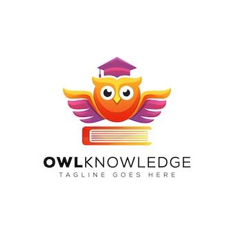 Impresionante conocimiento del búho con el logotipo de educación del libro, el logotipo de educación escolar, la plantilla de logotipo de posgrado de aves animales