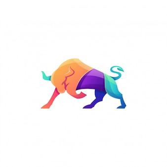 Impresionante logotipo colorido toro enojado