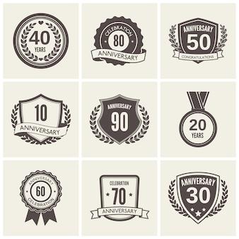 Insignia de aniversario o conjunto de etiquetas