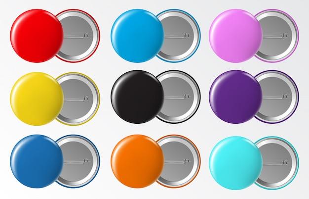 Insignia de botón de círculo. etiqueta de plástico o metal en blanco redondo en blanco, conjunto de alfileres de broche de colores brillantes. insignia de plástico y botón, ilustración de metal brillante de plantilla