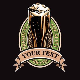 Insignia de cerveza vector y logo