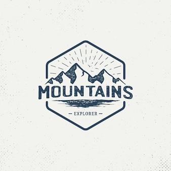 Insignia de montaña logo vintage