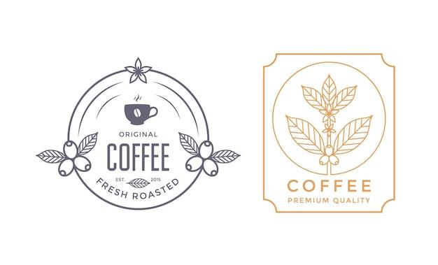 Insignias de cafetería o plantillas de diseño de etiquetas con baya de rama de café y taza