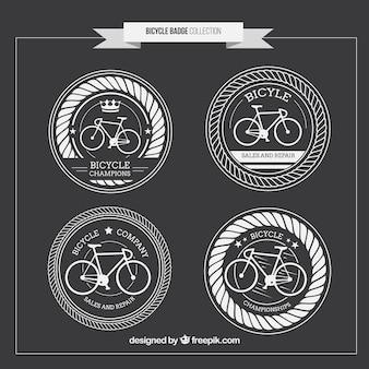 Insignias redondas de bicicletas vintage dibujadas a mano